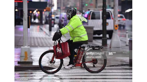 New York Finally Legalizes Electric Bikes and Scooters